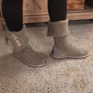 UGG knitted boots. Gray.